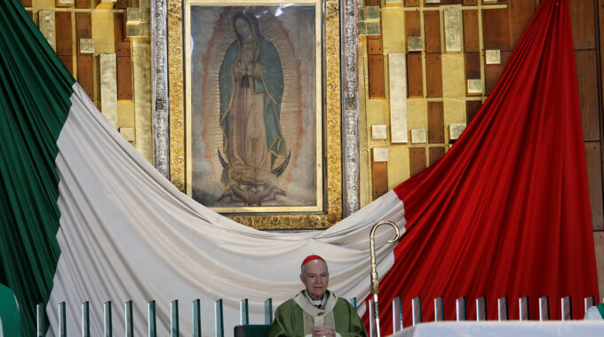 El Arzobispo Carlos Aguiar Preside La Misa En La Basílica De Guadalupe. Foto: INBG/Cortesía