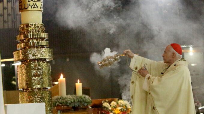 El Cardenal Aguiar En La Vigilia Pascual De La Basílica De Guadalupe.