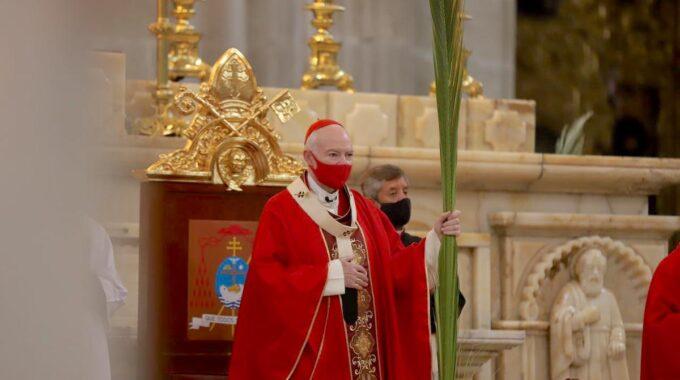 El Cardenal Carlos Aguiar Retes Preside La Misa Por El Domingo De Ramos 2021 En La Catedral Metropolitana De México. Foto: María Langarica.