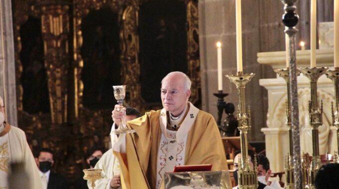 El Cardenal Carlos Aguiar Retes En La Misa De La Cena Del Señor, En Jueves Santo 2021.